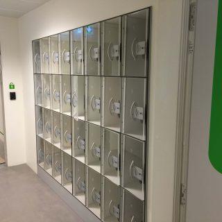 Entresystem & billetsystem. Adgangskontrol & indgangskontrol. Omklædningsrum & skabe. Til svømmehal, idrætshal, stadion og sportsarena.